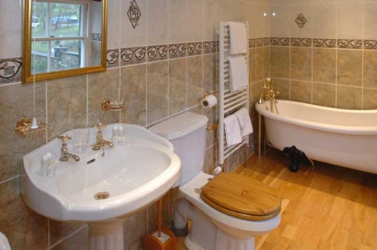 Wedding Venues South Wales - Craig y Nos Castle Accommodation Room AB28 bathroom